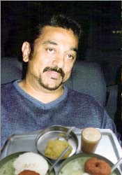 Koffee with Kamal. See my photoshop skillz r better than Dasavathaaram!